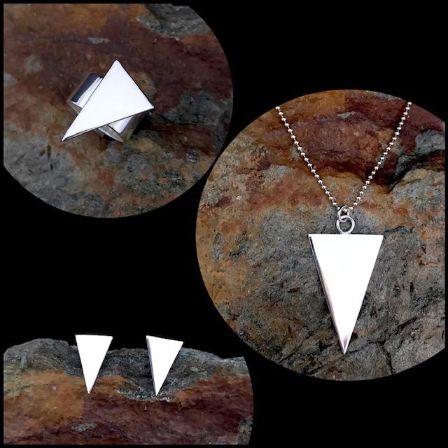 MIINA Triangel<br/>En stilren minimalistisk design i sin enkelhet, fint både till vardags och fest. Se under respektive kategori.